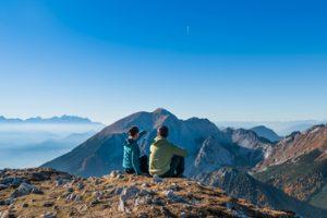 couple et horizon montagne